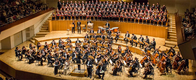 """grupo concertante talia  Sinfonía nº 2 """"Resurrección"""" de Mahler, directora Silvia Sanz Torre al frente de la Metropolitana de Madrid y Coro Talía"""