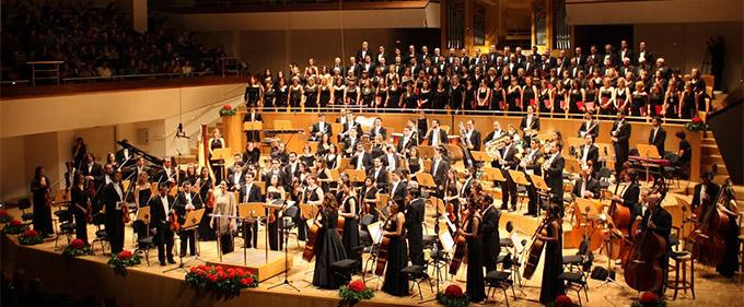 grupo concertante talia  Silvia Sanz Torre cierra la VI temporada de la Orquesta Metropolitana y al Coro Talía con obras de Bernstein, Shostakovich, Stravinsky y Rutter