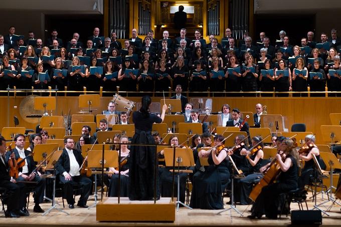 grupo concertante talia  Sinfonía nº 5 de Beethoven y Canción del destino de Brahms en el próximo concierto de Silvia Sanz Torre con Orquesta Metropolitana y Coro Talía